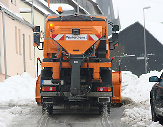 Winterdienst Räumfahrzeug